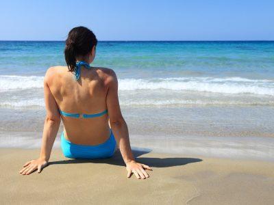 ニキビができやすい背中は産毛を処理することで肌質改善に繋がります